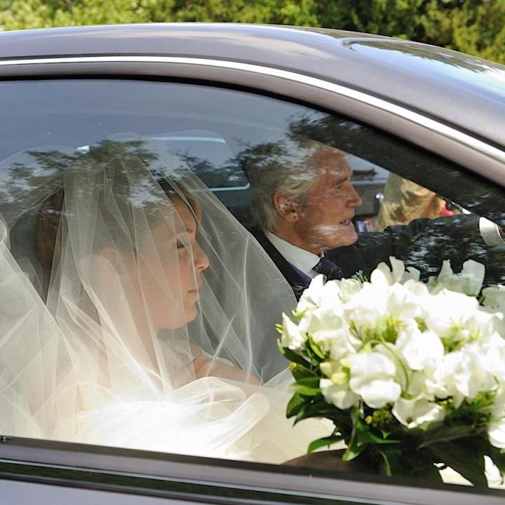 arrivée de la mariée et son père