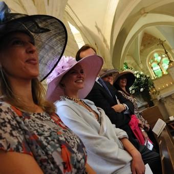 les témoins du mariage à l'église