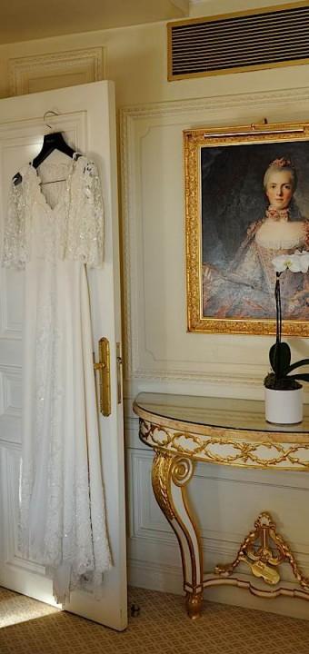 La robe de la mariée et le portrait de …