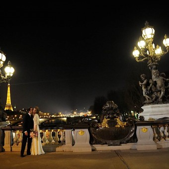 Séance de photo de couple à Paris la nuit