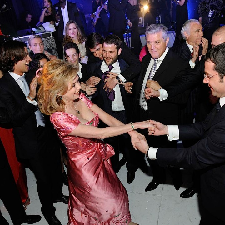 Le marié danse avec sa mère