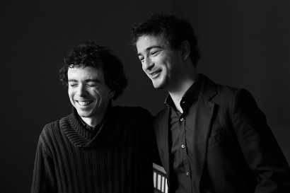 photo de deux musiciens à paris, Damien et Renan Luce